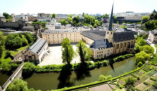luxembourg-wenzel-walk-neumunster-abbey-view-from-corniche